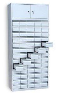 Шкаф на 77 отделений с выдвижными ящиками